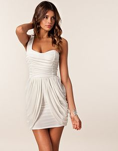 I want this dress in a coral or bright summer color!!