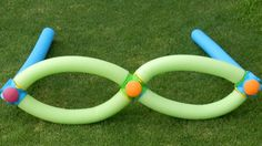 Canoodle Toy sunglasses build up. #play #learn #becreative #canoodletoy #kids #summer #ideas #poolnoodle