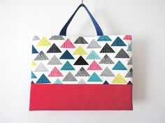 北欧風さんかく柄のレッスンバッグ Diy Projects To Try, Pouch, Tote Bag, Purses, Sewing, Creema, Handmade, Bags, Crocheted Purses