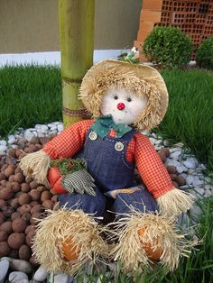 Scarecrow Crafts, Fall Scarecrows, Halloween Scarecrow, Fall Halloween, Halloween Crafts, Halloween Decorations, Fall Arts And Crafts, Autumn Crafts, Diy And Crafts