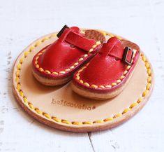 イタリアンレザーのプチサボ(赤色)★ミニチュアインテリア雑貨