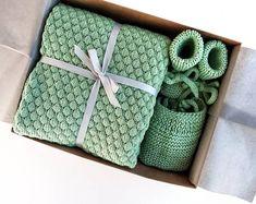 Beautiful wool baby blanket booties and bonnet set. Baby Girl Gift Baskets, Baby Gift Hampers, Baby Hamper, Baby Gift Box, Baby Girl Gifts, New Baby Gifts, Wool Baby Blanket, Blanket Box, Baby Girl Blankets