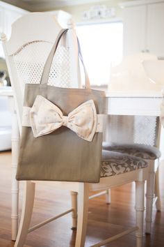 elm street life: DIY tote bag, hopefully a quick teacher gift