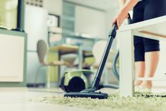 Deep, high pile carpets attract dirt, debris, and allergens, requiring a special vacuum. Read our recommendations for the best vacuum for thick shag carpet. Steam Clean Carpet, How To Clean Carpet, Bude, Lifehacks, Deep Cleaning Services, Clean Tile Grout, Vacuum Reviews, Clean Washing Machine, Home Improvement Loans