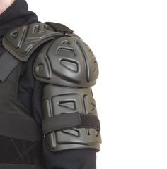 Shoulder guard Super Hero Outfits, Super Hero Costumes, Arm Guard, Riot Police, Deadshot, Police Uniforms, Winter Soldier, Upper Body, Live Action