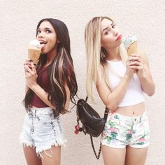 2 friends and an ice cream cone Photos Bff, Photos Tumblr, Bff Pictures, Best Friend Pictures, Cute Photos, Tumblr Bff, Tumblr Girls, Goals Tumblr, Photo Trop Belle
