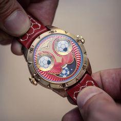 Joker Soccer Joker Watch, Arte Robot, Watch Faces, Luxury Watches, Cool Watches, Bracelet Watch, Soccer, Clock, Tic Tac