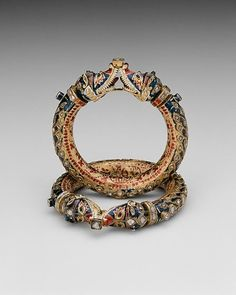 thegiftsoflife:  India, Rajasthan, Jaipur   Bracelets with Confronting Makara Heads (Karas), 19th century. Gold, diamonds, and crystalline inset in the kundan technique, with polychrome enamel (minakari)