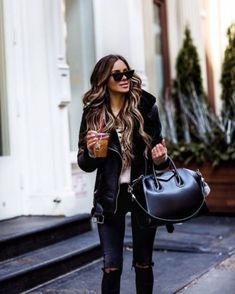 Street Fashion Trends The Raw Straight Cut Jeans Night Outfits, Fall Outfits, Fashion Outfits, Fashion Trends, Women's Fashion, Street Fashion, Street Style Trends, Instagram Outfits, Winter Stil