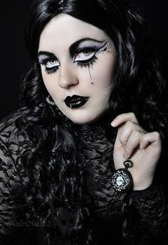 Cool Gothic look with crystal accents by KuLLerMieTze on deviantART.