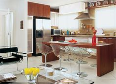 Ambientes integrados. Cozinha e sala  pequenos conjugados