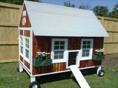 Cluckingham Palace / Chicken Coop Tractor - Too Cute