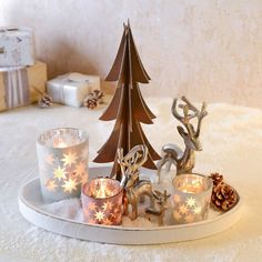 Adventsdeko - Christmas - candles - decoration - www. Christmas Coffee, Christmas Candles, Christmas Home, Navidad Natural, Christmas Decorations For The Home, Natural Christmas, Diy Décoration, Decorating Coffee Tables, Tealight Candle Holders