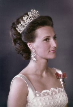 Queen Sonja with Queen Josefina's tiara
