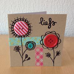 Versier een kaart met knopen washi tape en een leuke tekening