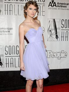 Is this just the most stunning dress or what? light lilac is now my go to color. <3 Future prom dress alert. :)