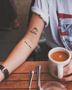 Small Tattoos Ideas for Men and Women - Best Tattoos Ideas with Photos - Auf deine Haut - Tattoo Designs For Women Little Tattoos, Cute Tattoos, New Tattoos, Body Art Tattoos, Tatoos, Fashion Tattoos, Haut Tattoo, Bow Tattoo Designs, Small Tattoo Designs