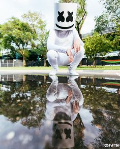 Doing some self reflecting by marshmellomusic