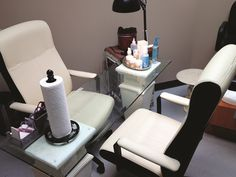 Renting a salon suite, Crestylnn Westig operates her single-tech salon as The Nail Mender. www.nailsmag.com