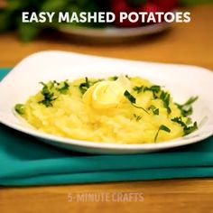 Wonderful Images Amazing Kitchen Hacks Concepts Unusual ways of cooking you'll fall in love with. Slow Cooker Recipes Cheap, Slow Cooker Sausage Recipes, Cooking Recipes, Cooking Games, Cooking Classes, Food Hacks, Avocado, Kitchen Hacks, Recipe Videos