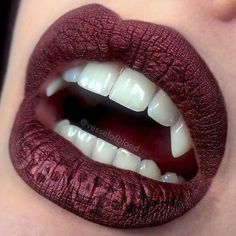 pretty halloween lip art