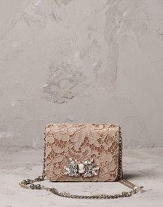 Tracollina in pizzo macram� color tortora  Dolce & Gabbana