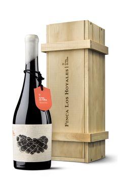 Packaging for Finca Los Hoyales, Bodegas Cruz de Alba