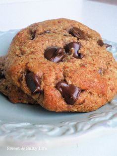 Famous Chocolate Chunk Cookies} - were very liquid-like as dough - added a little glutenfree flour so not so soupy, but that didn't help :-( (I also used agave nectar instead of maple syrup) tasted good but seemingly impossible to make it turn out like the pic :-P