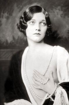 Beautiful photographs Ziegfeld Follies Girls | DoYouReadMe Daily - Nothing is Possible