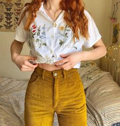Ootd 🌷🌻🌼💐 Source by hairtolashbydenise Vintage outfits Vintage Outfits, Retro Outfits, Casual Outfits, Vintage Fashion, Vintage Pants, 80s Style Outfits, Retro Fashion, Artsy Outfits, 90s Style