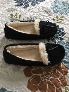 c7b7ac0db45551 Womens Juniors Dearfoam Slippers Size 7-8 Mediym Black With White Fur NWOT   fashion  clothing  shoes  accessories  womensshoes  slippers (ebay link)