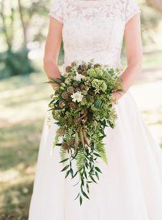 Rustic, greenery bouquet | Photography: Judy Pak Photography - judypak.com
