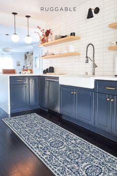Kitchen Rug, Kitchen Colors, Kitchen Layout, Home Decor Kitchen, Diy Kitchen, Kitchen Interior, Kitchen Shop, Kitchen Flooring, Kitchen Backsplash