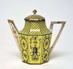 The Bowes Museum: Teapot, c.1785