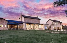 Hill Country Homes, Home Insurance, Old Houses, Ranch, Home And Family, House Ideas, Barn, Exterior, Mansions