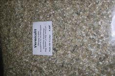 Brutsubstrat - Vermiculit - Vermiculit in der Körnung 3-6 mm ist das standard Brutsubstrat für alle Reptilieneier. Vermiculit ist aber nicht nur für die Inkubation einsetzbar. Wird Vermiculit in den Bodengrund gemischt, lockert das die Erde auf und läßt den Bodengrund mehr Feuchtigkeit... - http://mantidendealer.de/produkt/brutsubstrat-vermiculit/