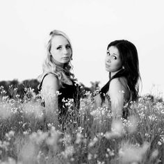 Bestfriend photoshoot. Me and Alexis needs one of these(: