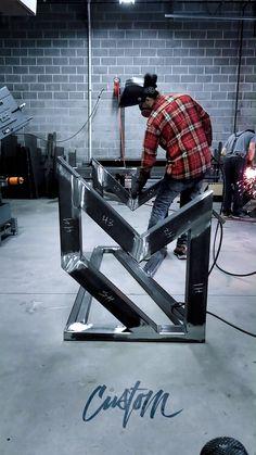   𝘞𝘦𝘭𝘥𝘪𝘯𝘨 𝘴𝘵𝘦𝘦𝘭 𝘤𝘢 - Welding Cart, Welding Table, Metal Welding, Welded Furniture, Steel Furniture, Modern Desk, Modern Table, Welding Videos, Modern Glass Coffee Table