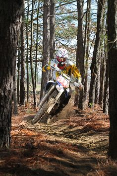One of my favorites from the Sandlapper Enduro yesterday! Enduro Motocross, Motorcycle Dirt Bike, Motorcycle Clubs, Dirt Bike Racing, Off Road Racing, Dirt Biking, X Games, Cross Country Bike, Foto 3d