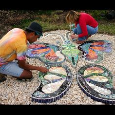 Making a big stepping stone, a Garden Fairy project. Web Instagram User » Collecto.... This is a beautiful giant mosaic butterfly stepping stone. A project like this would really make my garden entrance special!.. Great inspiration!!