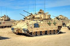 Military Vehicle Photos - Bradley Fighting Vehicle in Kuwait