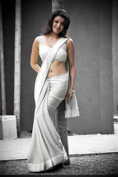Kajal Aggarwal hot in saree Indian Bollywood, Bollywood Actress, Indian Sarees, Hot Actresses, Beautiful Actresses, India Beauty, Asian Beauty, Sonam Kapoor, Deepika Padukone