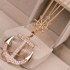 Anchors away! Delicate and subtle, make this anchor pendant necklace your every day go-to piece. It is Perfect with jeans and a t-shirt or great with that crisp white shirt in the office. It glams up the cosy sweat or that dry wind and makes your day.