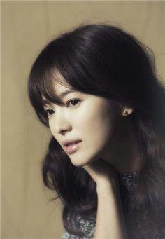 bangs x nude lips :: Song Hye Kyo Korean Beauty, Asian Beauty, Beautiful Asian Women, Beautiful People, Asian Woman, Asian Girl, Song Hye Kyo, Nude Lip, Korean Celebrities