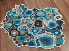 Shades of Teal Afghan * Shades of teal and brown Pima cotton, freeform motifs with netted lace joins. Freeform Crochet, Crochet Art, Love Crochet, Irish Crochet, Crochet Motif, Crochet Stitches, Crochet Patterns, Crochet Puff Flower, Crochet Flowers