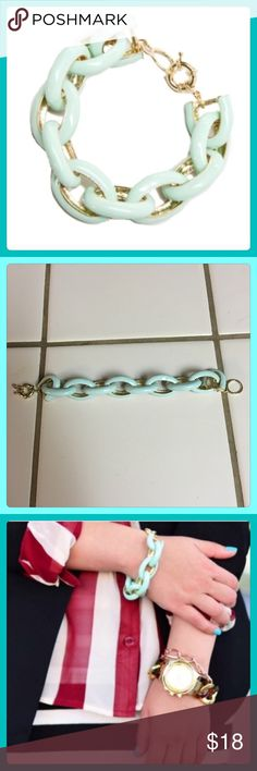 "✨ Beautiful Mint Enamel Link Bracelet!✨ NWT Beautiful Mint Enamel Link Bracelet! This Bracelet is a Refreshing Mint Color that Stands Out above the rest! This Bracelet goes with just about anything! Very Sturdy Bracelet with 11 links, & not too heavy. Has a very secure & sturdy clasp & is adjustable. 7 1/2"" in length. Very Nice Piece to add to your collection! Only have a few so be sure to scoop one up! T&J Designs Jewelry Bracelets"