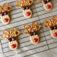 Peanut Butter Reindeer Cookies, holiday fun Christmas treat dessert for kids, party, class, school