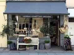 "Asombrosa tienda-café ""I GIGI"""