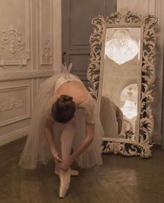 Classy Aesthetic, Beige Aesthetic, Aesthetic Vintage, Princess Aesthetic, Ballet Photography, Past Life, Aesthetic Pictures, Ethereal, Romantic