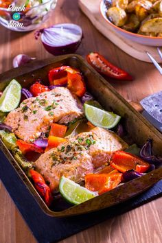 This Syn Free Chilli and Lime Baked Salmon is so simple, quick and easy you can have it ready and on the table in less that 30 minutes. A perfect Slimming World friendly meal when you don't have time for too much prep. Healthy Meals To Cook, Clean Eating Recipes, Healthy Cooking, Healthy Eating, Healthy Recipes, Ww Recipes, Healthy Food, Chilli Recipes, Baked Salmon Recipes